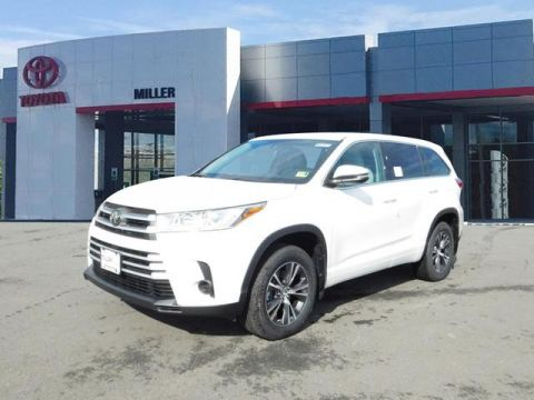 New Toyota Highlander LE AWD V6
