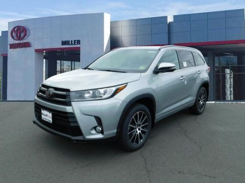 New Toyota Highlander SE AWD V6