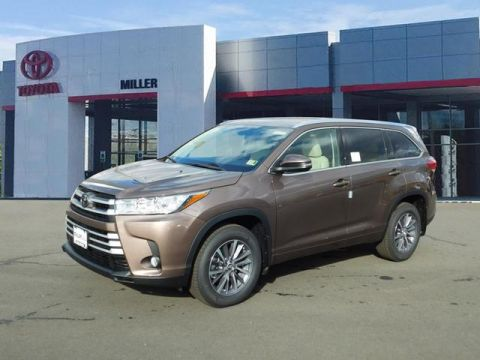 New Toyota Highlander XLE AWD V6