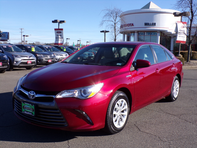 Certified Pre-Owned 2015 Toyota Camry Hybrid LE
