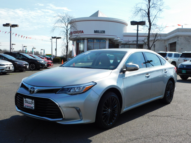 Pre-Owned 2018 Toyota Avalon Touring