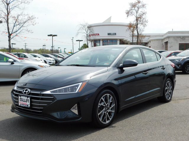 Pre-Owned 2020 Hyundai Elantra Limited