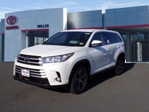 New 2019 Toyota Highlander LE Plus AWD V6